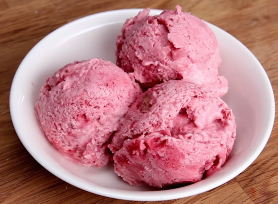 Strawberry Banana Froyo for Dogs Recipe
