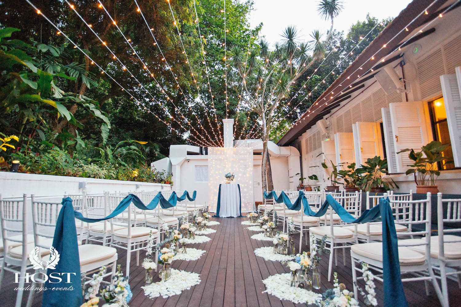 Dog-friendly Wedding Venue - Botanico at The Garage | Vanillapup