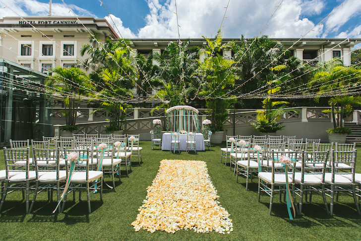 Dog-friendly Wedding Venues Fort Canning Hotel Lawn | Vanillapup